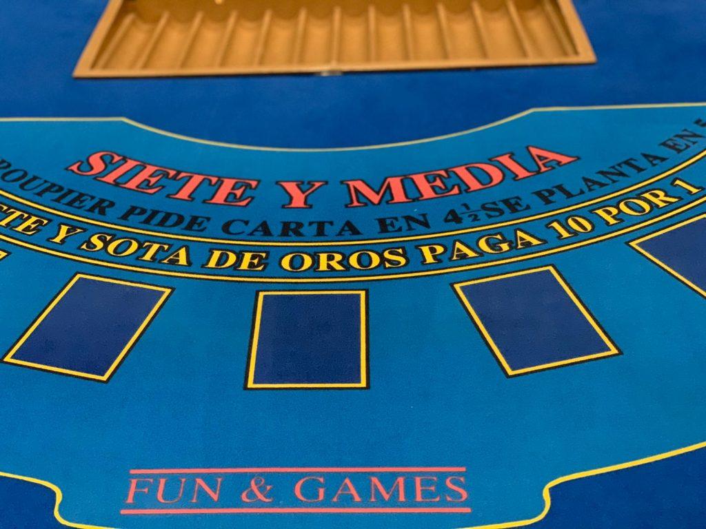 Alquiler_Mesas_Casino_Siete_Y_Media