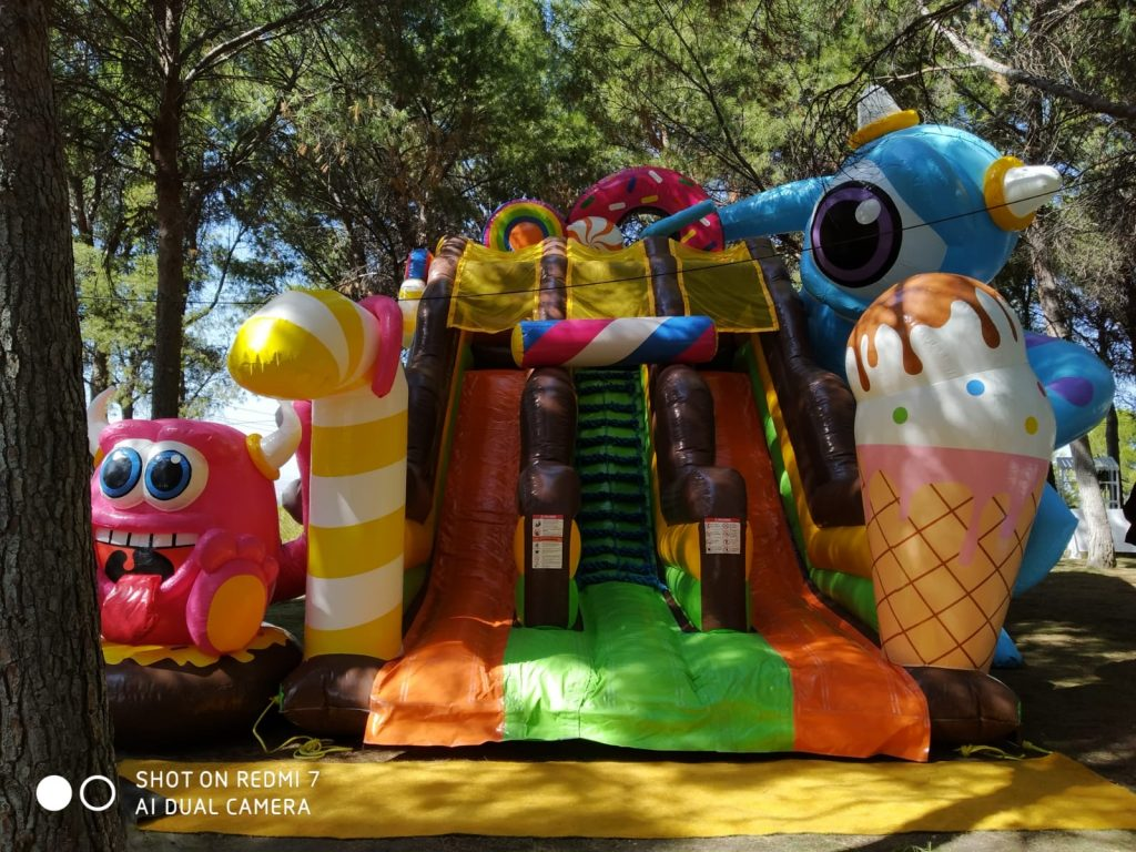 Temporada de comuniones e hinchables infantiles